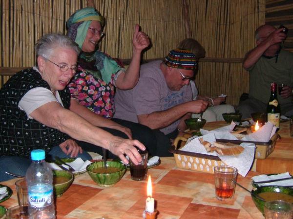 Heerlijk Marokkaans eten in de tent !!