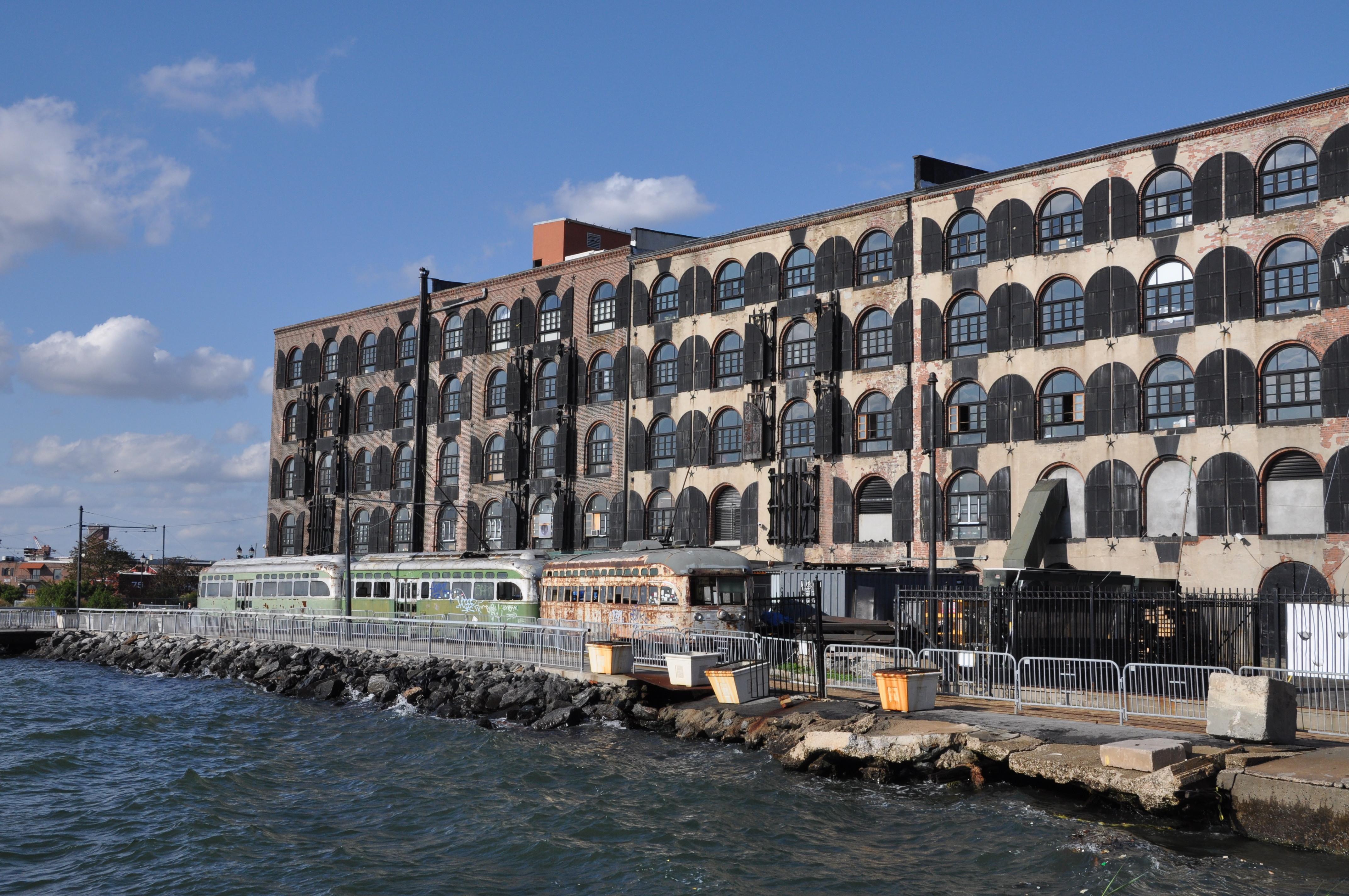 Red Hook Brooklyn: de verwaarloosde trams zijn verworden tot 'point of interest'
