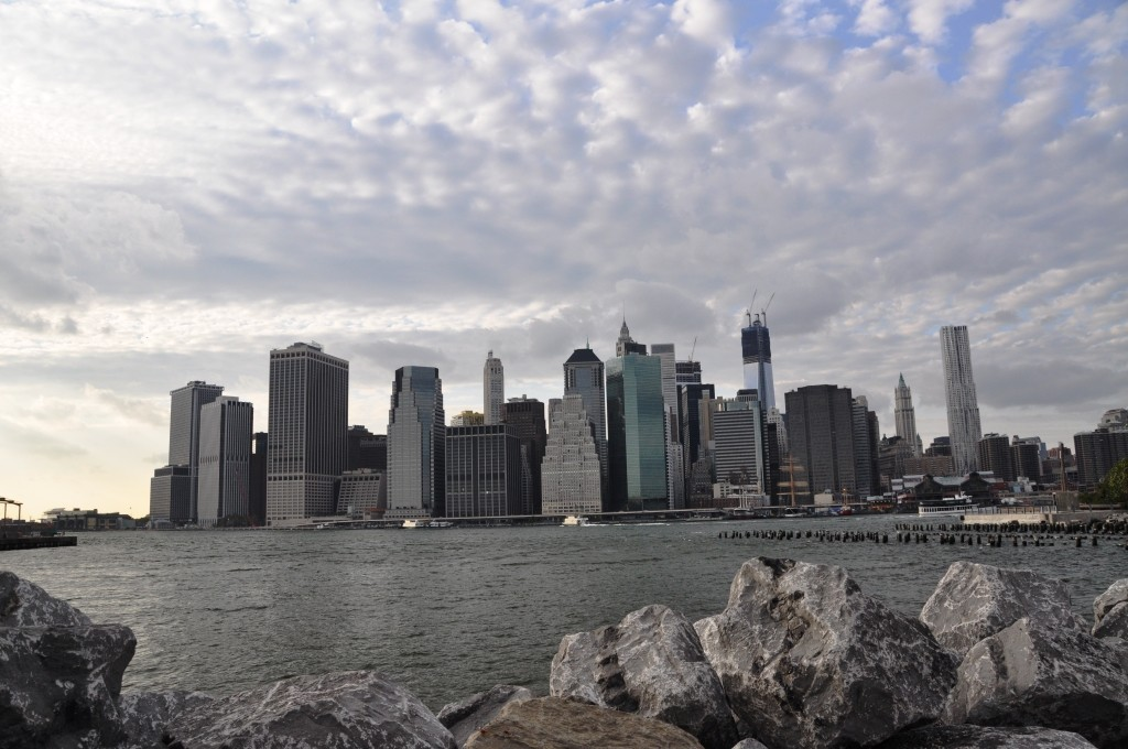 De skyline van Manhattan vanaf 'de overkant'