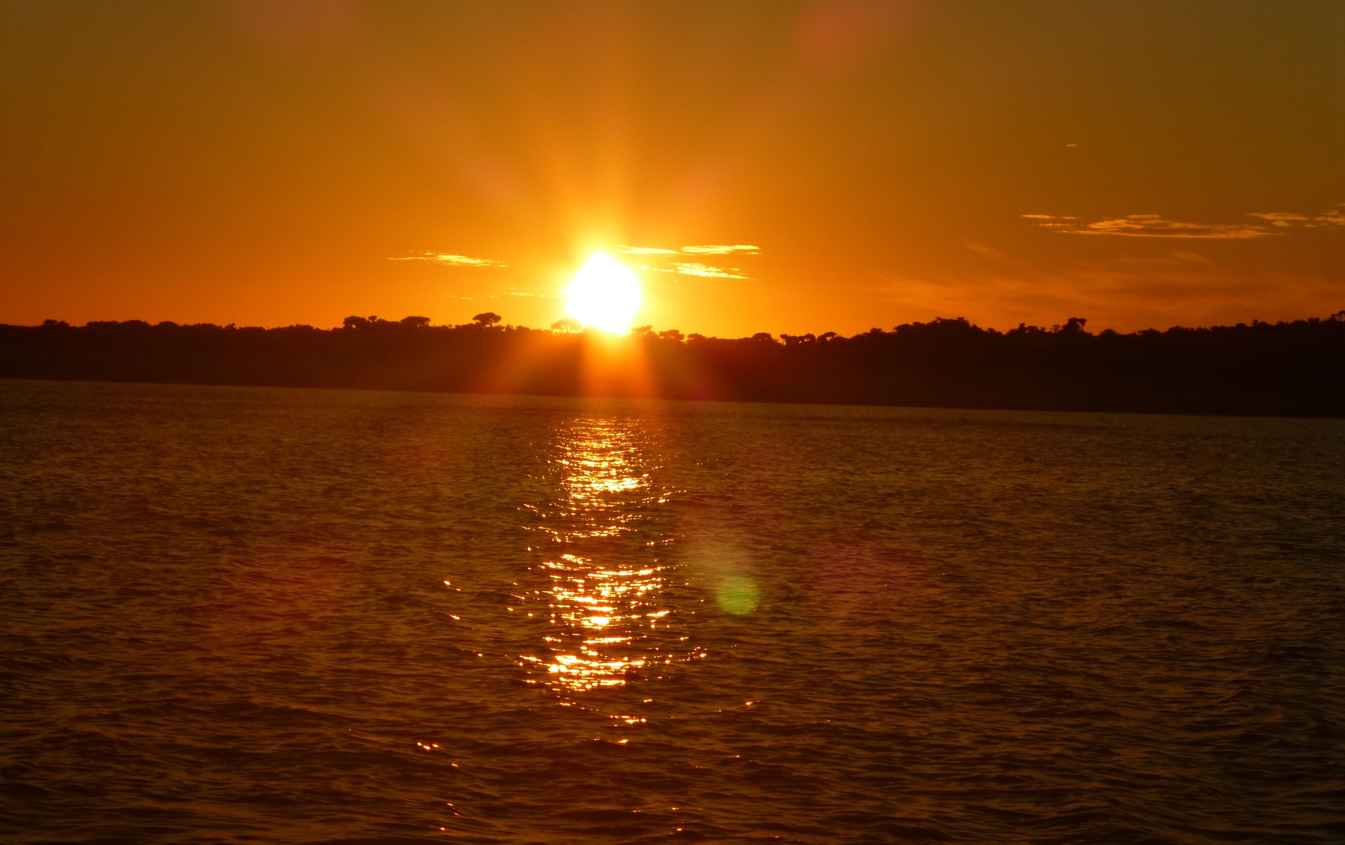 Nog voor zonsopgang zaten we alweer in de speedboot terug van Anakao naar Tulear