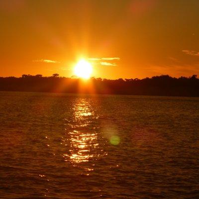 Voorvertoning Nog voor zonsopgang zaten we alweer in de speedboot terug van Anakao naar Tulear