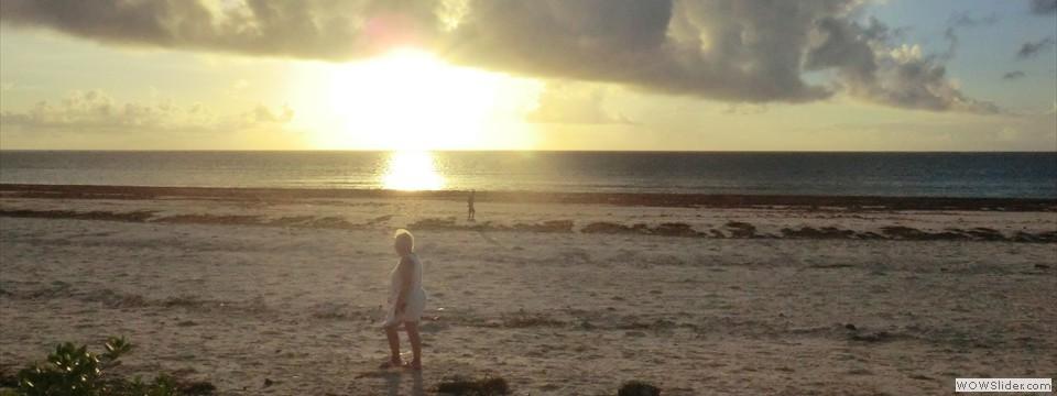 Zon op zien komen uit de Indische Oceaan