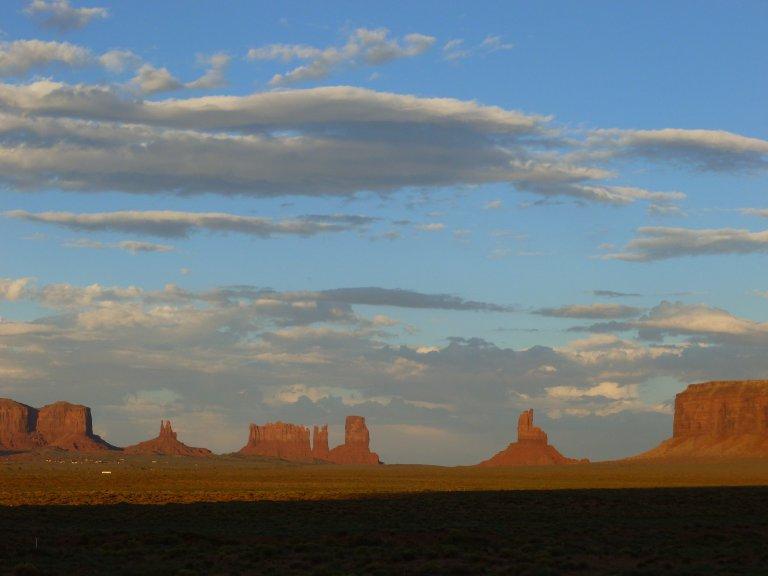 Hoofdfoto bij reisverhaal 'Een gedicht voor Moeder Aarde (geschreven in Monument Valley)'