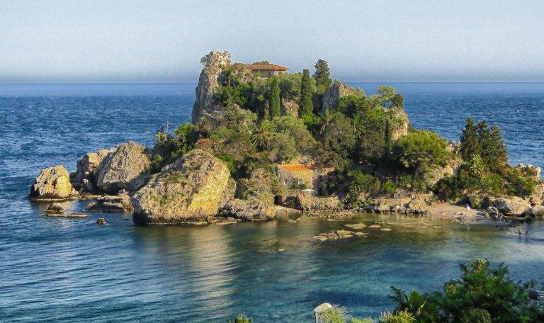 Helaas geen foto's digitaal van die periode, daarom een van het eilandje Taoramina