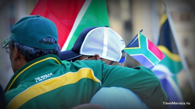 Saamhorigheid op de Grand Parade de dag nadat Mandela stierf.