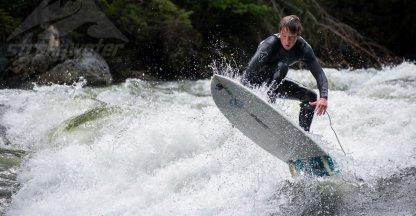Video: Nieuwe sport: riviersurfen
