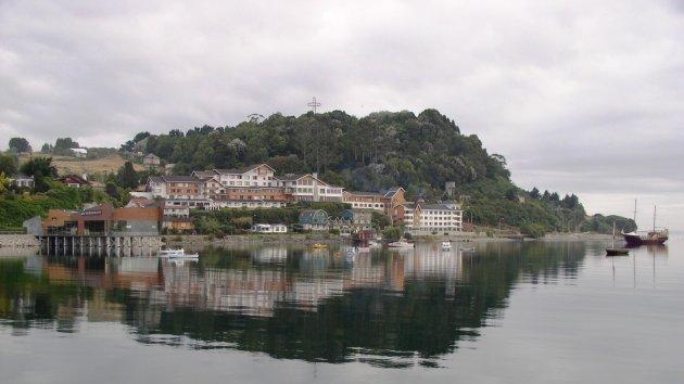 Puerto Varas in spiegelbeeld