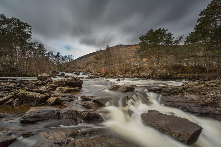 Watervallen van Dochart in Killin.