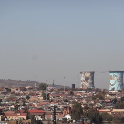 Voorvertoning Overzicht over Soweto en de Orlando Towers