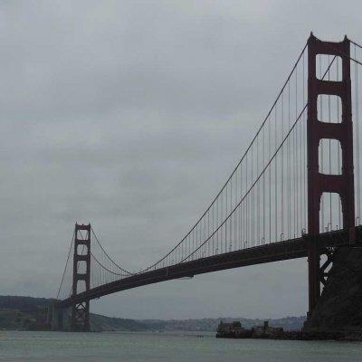 Voorvertoning Over de Golden Gate Bridge fietsen en die later van onderaf bewonderen.
