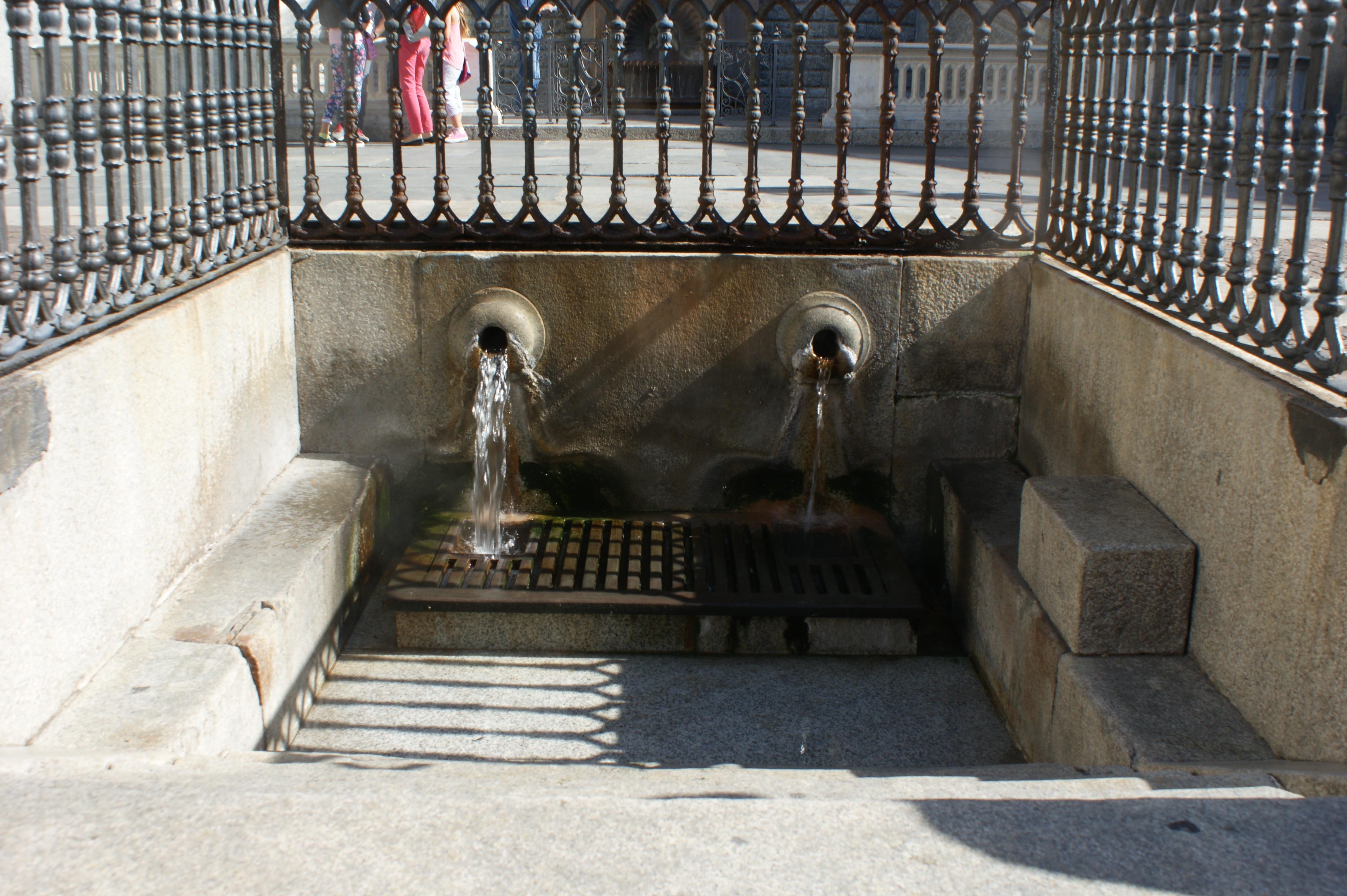De natuurlijke warm waterbron in Acqui terme