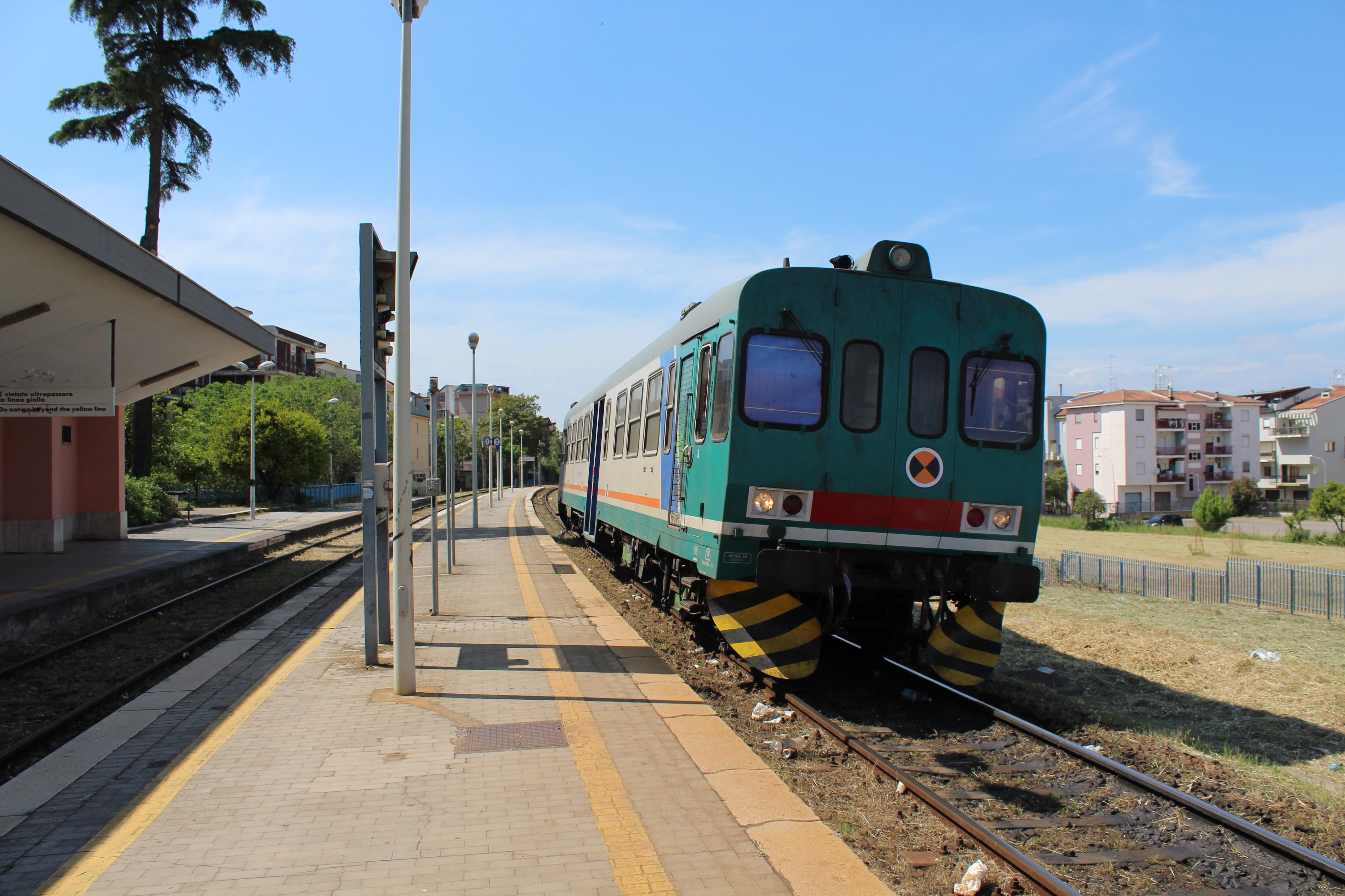 Trein in Corigliano Scalo