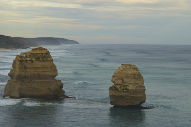 Waves Rolling in at the Twelve Apostles