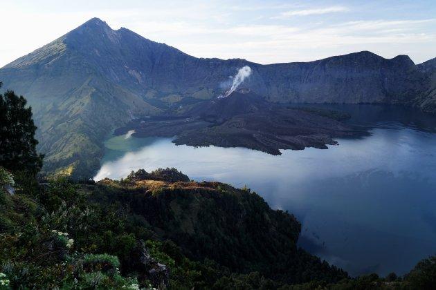 Beklim de Rinjani op het Indonesische eiland Lombok