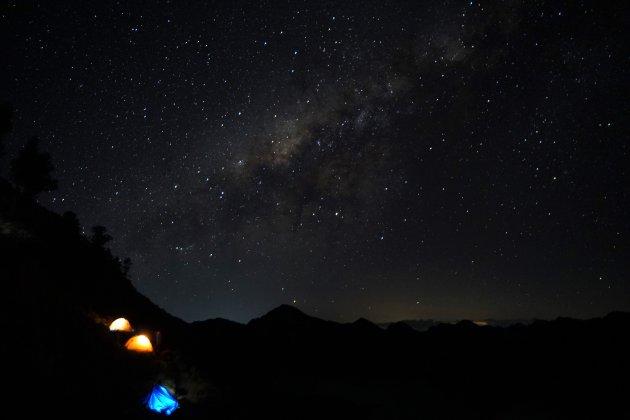 Mount Rinjani trekking onder de sterrenhemel