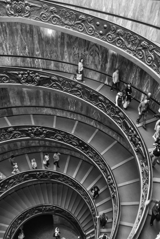 De bekende trappen van het Vaticaan museum