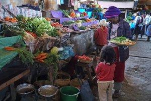 Dagelijks leven in Antsirabe: naar de groentemarkt