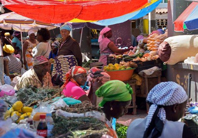 Gezellige centrale markt van Assomada