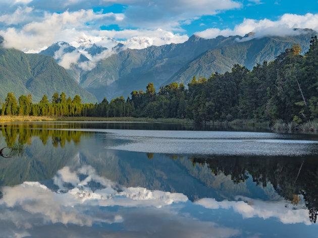Lake Matheson is een prachtig Spiegelmeer