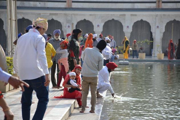 Ben je in New Delhi, bezoek de Sikh tempel