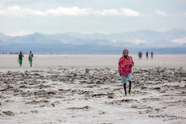 Zoutmijnwekers in de Danakil