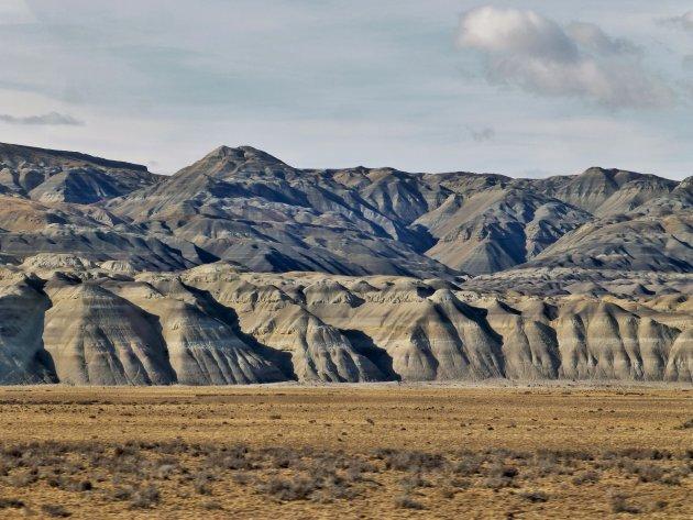 Kale grillige bergen langs R23