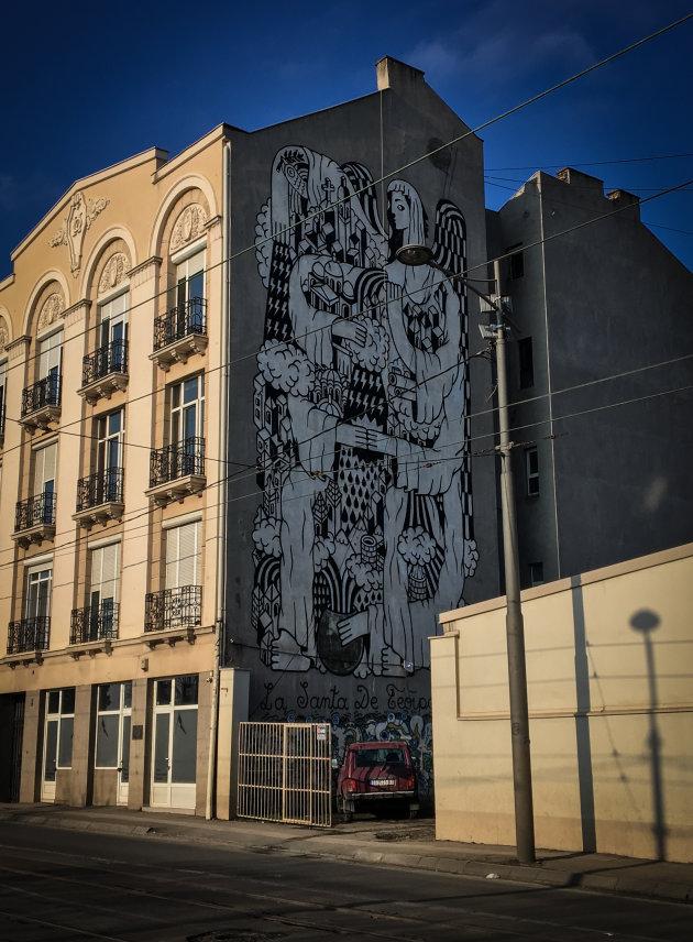 Muurschildering en een Niva in Belgrado