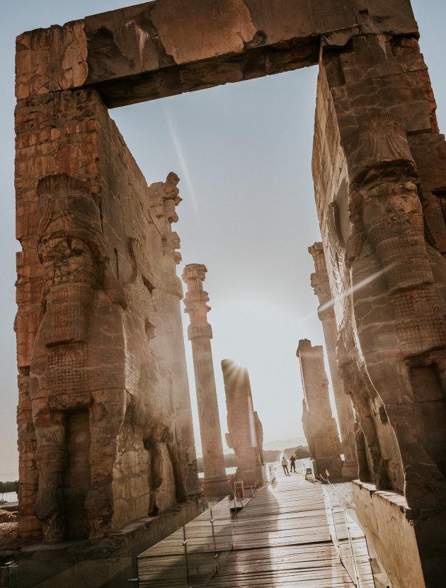 Persepolis bezoek je vlak voor zonsondergang