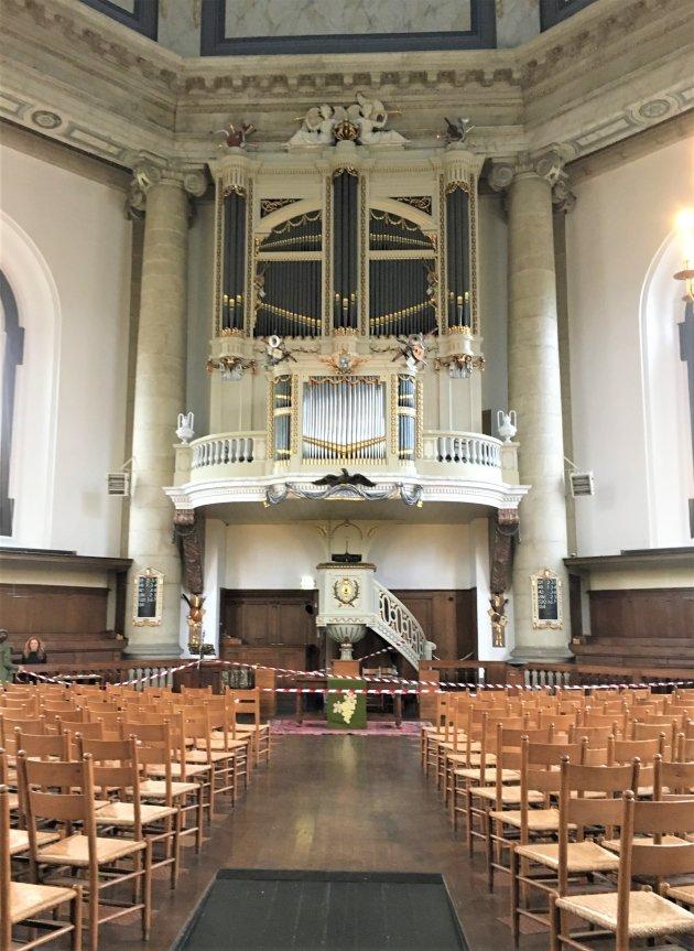 Orgel en preekstoel Oostkerk Middelburg.