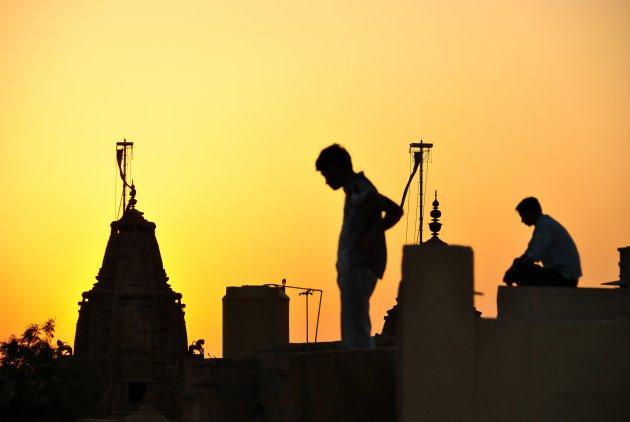 Straatbeeld op de daken van Jaisalmer