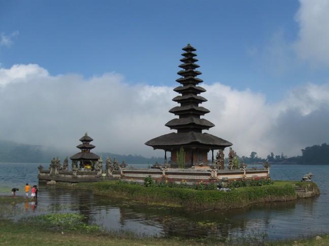 Tempel in het water