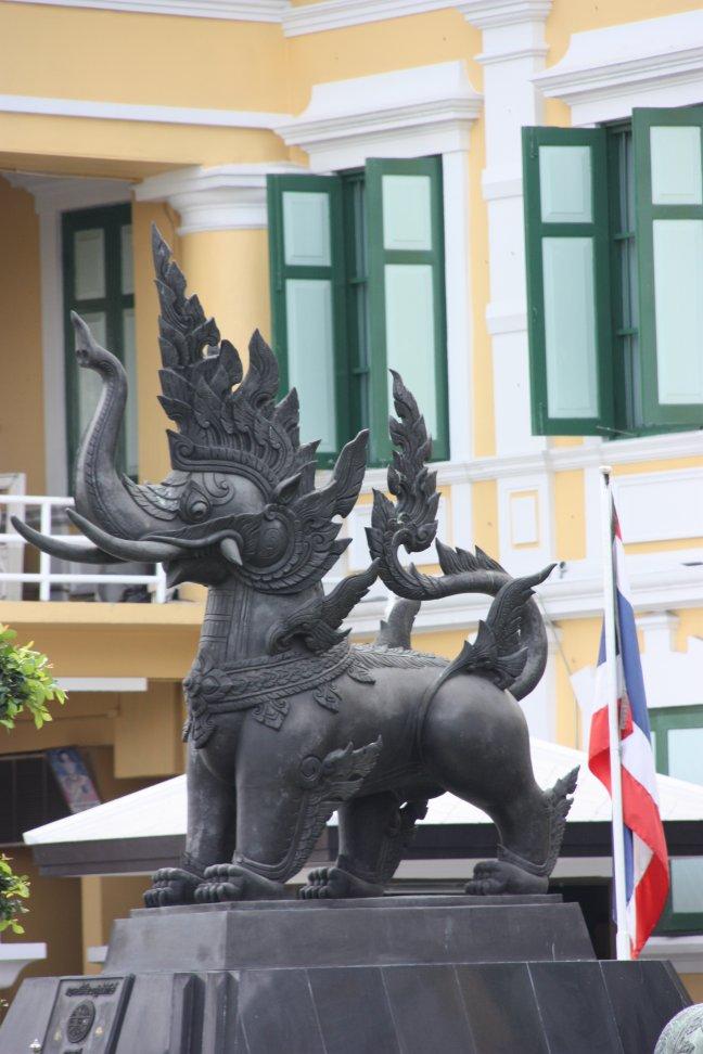 2008: Bangkok: standbeeld