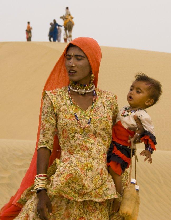 Bisnoi moeder en kind