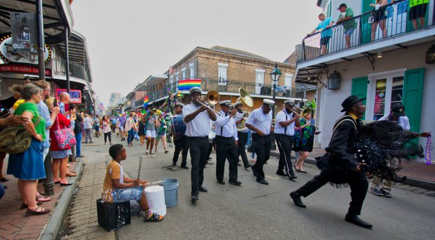 Parade en feest in Bourbon street - New Orleans