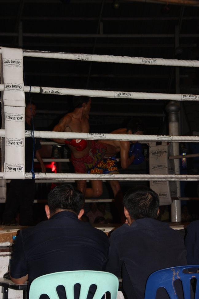 2008: Chiang Mai: MuayThai boksen, pijnlijk !