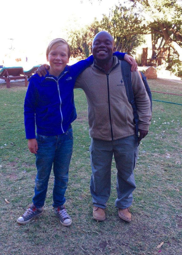 Met ranger en vriend Squirry in Zuid-Afrika