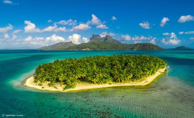 Klein onbewoond eiland voor Bora Bora