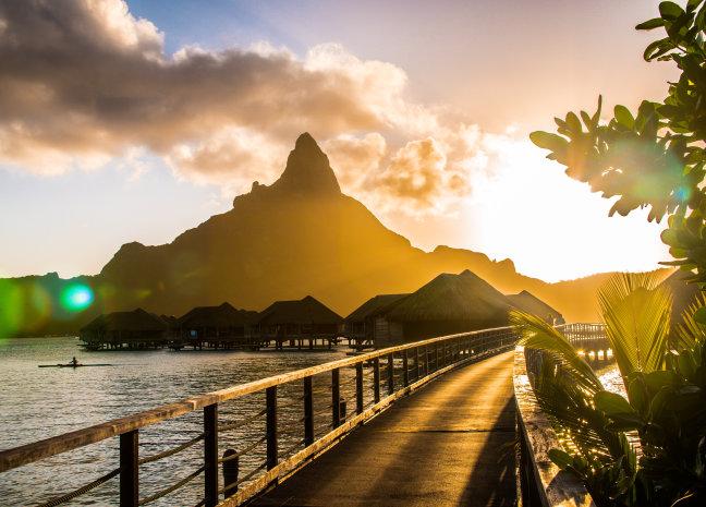 Golden hour op Bora Bora