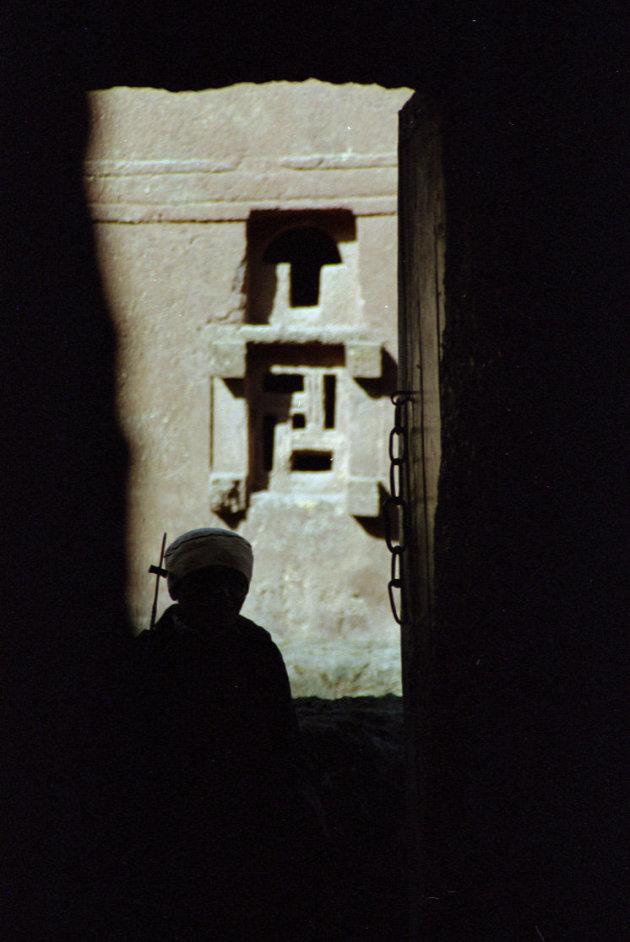 priester in 't donker