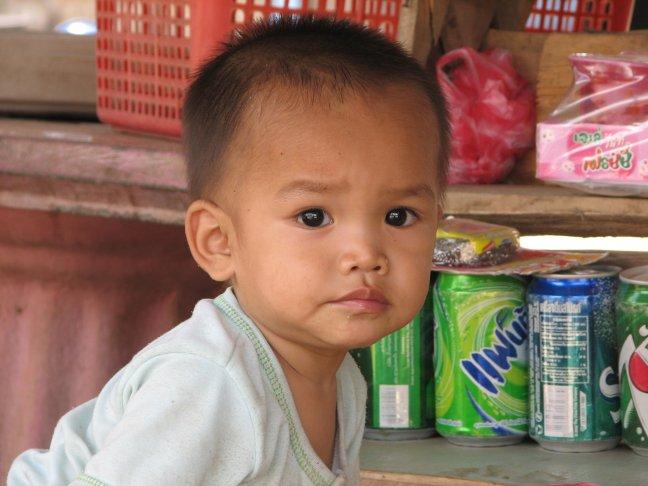jongetje in Luang Prabang