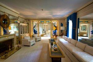 Graceland - Elvis  Presley - Living room