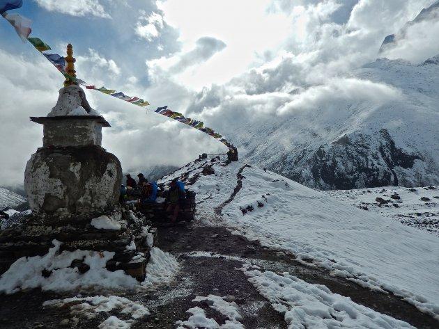 Stupa's en gebedsvlaggetjes