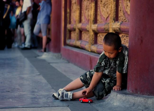 Little Emperor, spelend kind in de Verboden Stad