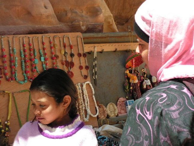 moeder en dochter verkopen..