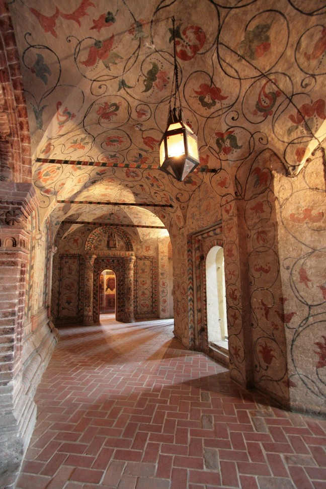 St. Basilius Kathedraal van binnen