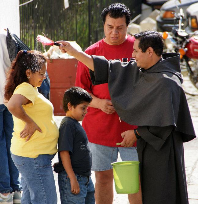 Gewijd water van St Hermano Pedro