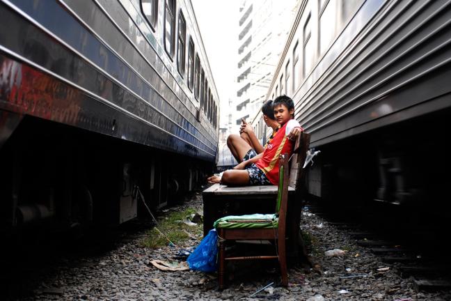 Leven tussen de treinen