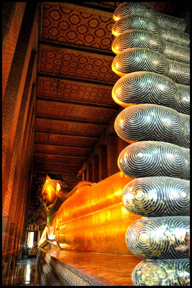 Goudgele Liggende Boeddha