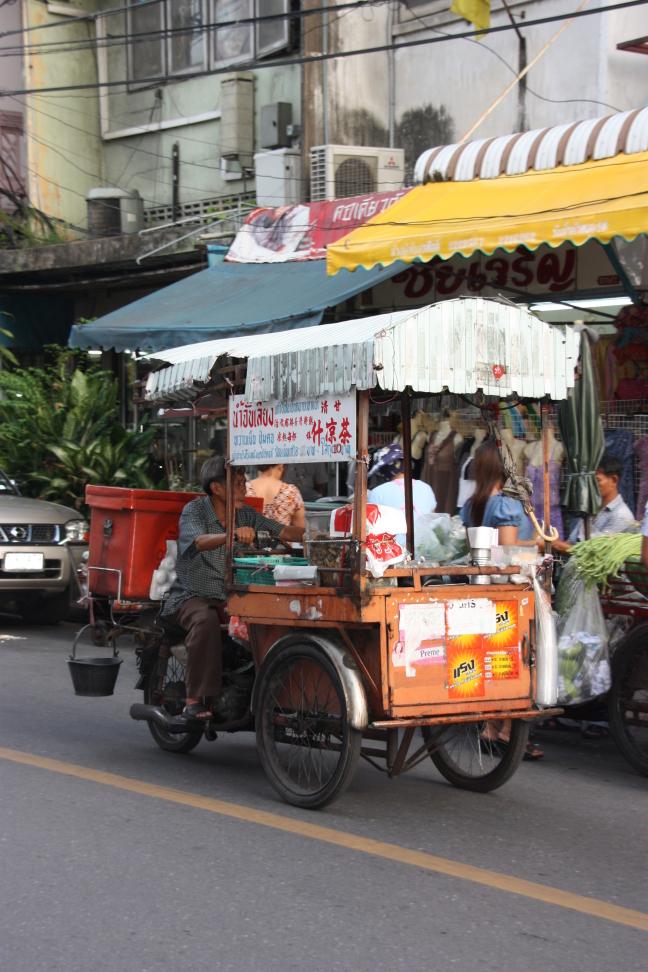 2008: Bangkok: broem broem zoef zoef.