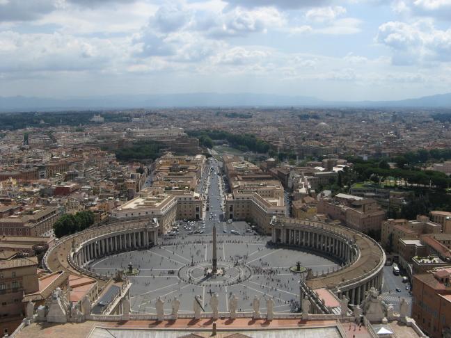 Uitzicht over de Piazza San Pietro